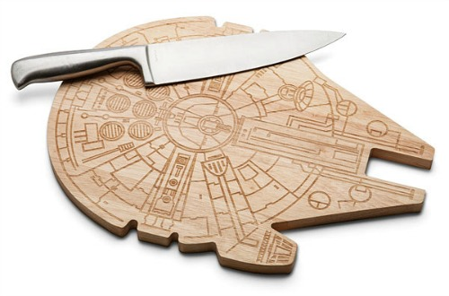 millenium_falcon_wood_cutting_board.jpg