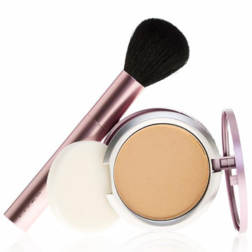 mally-Glowing-Foundation-(white)-0570_Reflect_Final_Flat_sm.jpg