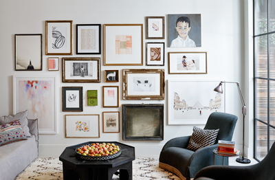 how to create a great gallery wall family circle. Black Bedroom Furniture Sets. Home Design Ideas