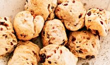 rolls with cranberries and walnuts