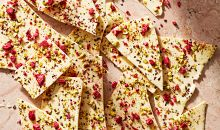 raspberry-pistacho white chocolate bark
