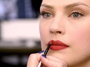 Beauty Insider: Orange-Red lips