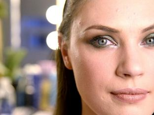Beauty Insider: Emerald Green Smokey Eye