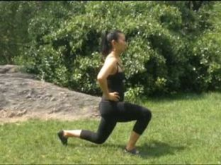 Minute Moves with Tina Tang: Walking Lunge