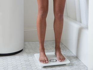 Fitbit Aria 2 body composition scale