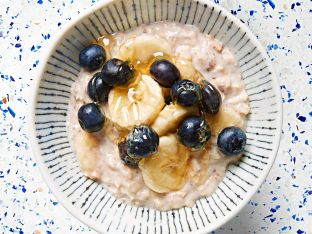 overnight oats with fruit and honey
