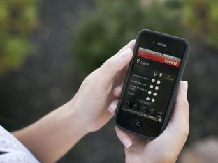 vivint_smart-phone-aBC9990.jpg