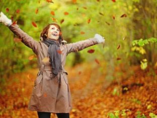 autumn-woman-playing-leaves-forest-7231733.jpg