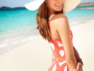 woman-hat-beach.jpg