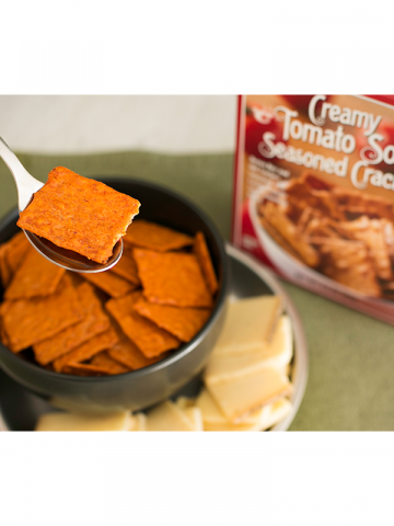Creamy Tomato Soup Seasoned Crackers