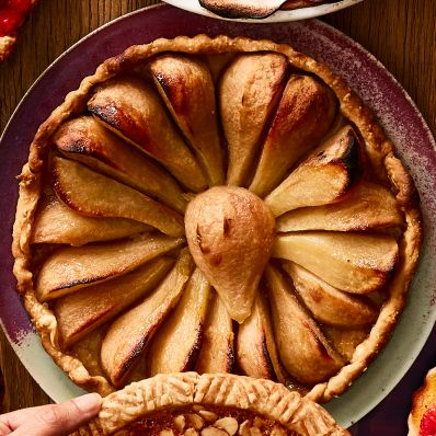 tart with caramelized pears