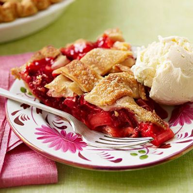 Sweet Strawberry-Rhubarb Pie