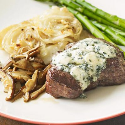 Blue Cheese-Topped Tenderloin with Mushrooms