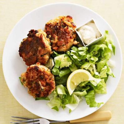 Salmon Cakes with Old Bay Aioli