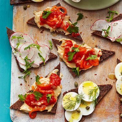 Red Pepper-Hummus Tartine