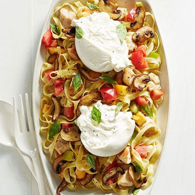 Tagliatelle with Heirloom Tomatoes, Mushrooms and Chicken