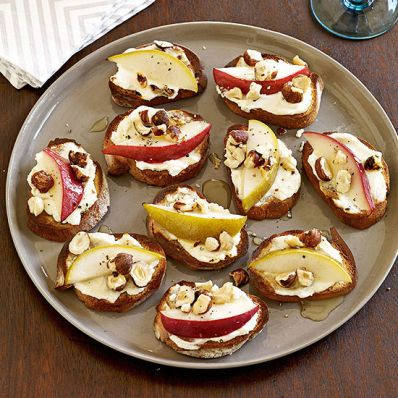 Pear, Goat Cheese and Hazelnut Crostini