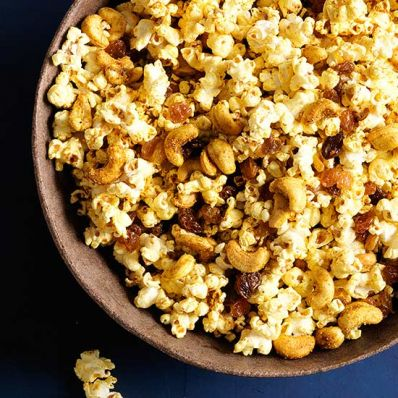 Curried Popcorn and Cashews