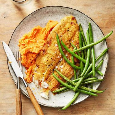 Cornmeal-Crusted Flounder with Blistered Green Beans