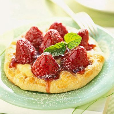 Coconut-Strawberry Tartlets