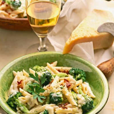 Cheesy Penne, Bacon and Broccoli