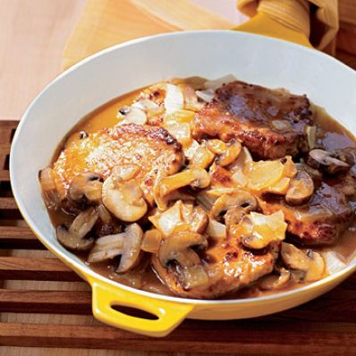 Lomo Saltado with Cremini Mushrooms and Onion