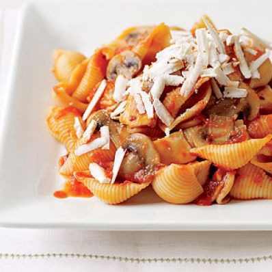 Arrabbiata Sauce with Chicken and Mushrooms