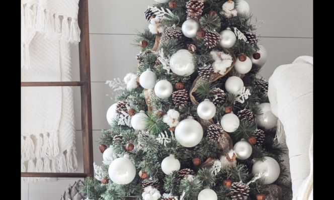 Modern Rustic Christmas Tree