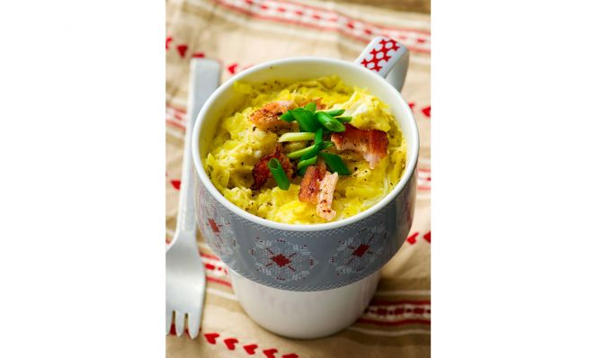 omelet in a mug prepared in microwave
